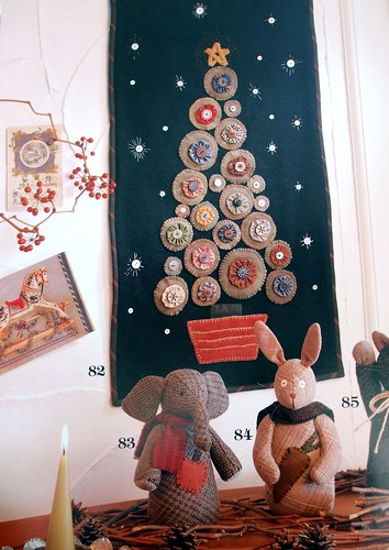Christmas wall hanging by Yoko Saito
