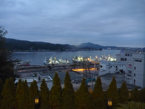 気仙沼港, 陸前高田市広田町でボランティア (「手を貸すぜ 東北」レーベン隊) Volunteer for Recovery Supprt at Rikuzentakata, Iwate pref. Deeply Affected Area by the Tsunami of Japan Earthquake