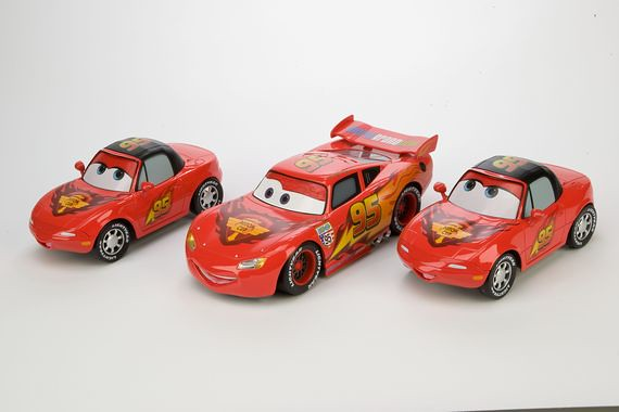 disney store cars 2 lightning mcqueen mia and tia exclusive set (1)