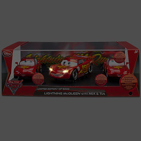 disney store cars 2 lightning mcqueen mia and tia exclusive set (3)