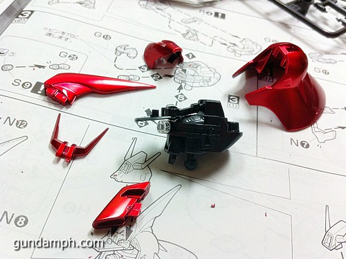 MG Sazabi Metallic Coating (Titanium-Like Finish) (25)