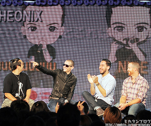 Linkin Park members with their Petit rendetion's design at the rear
