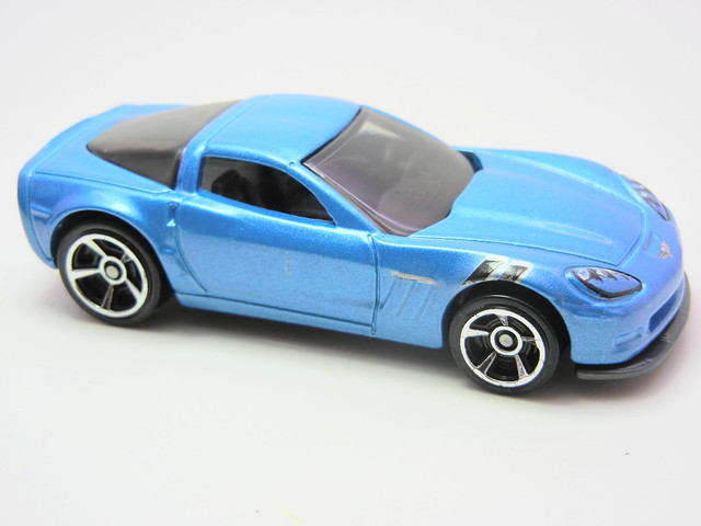 hot wheels '11 corvette grand sport blue (2)