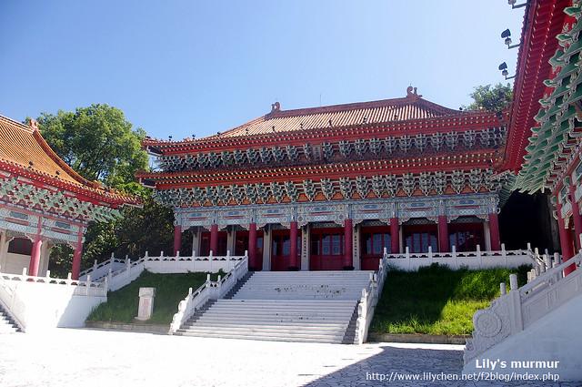 中國宮殿式建築的花蓮忠烈祠,腹地不怎麼大,但是地理位置很好,可以眺望遠處美景。