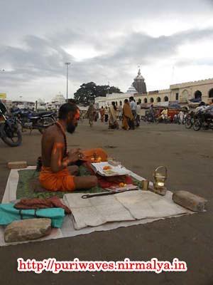 Sanyasi at Grandroad ( Badadanda )