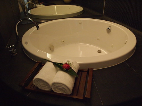 Singapore Lifestyle Blog, Lifestyle Blog, nadnut, Staycations, what is a staycation, what to do in a staycation, Holidays, Nice hotels in Singapore, Staycations in Singapore, Life and Fun, Grand Park City Hall Hotel, Grand Park City Hall hotel review, staycation at Grand Park City Hall hotel, SPA asia, Spa Park Asia, Best massages in Singapore, Best deep tissue massage in Singapore, Deep tissue massage, birthday celebrations,