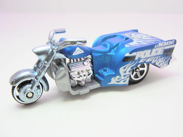 hot wheels boss hoss motorcycle blue (3)