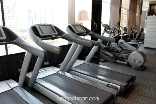 Quincy Hotel - Gym and Pool
