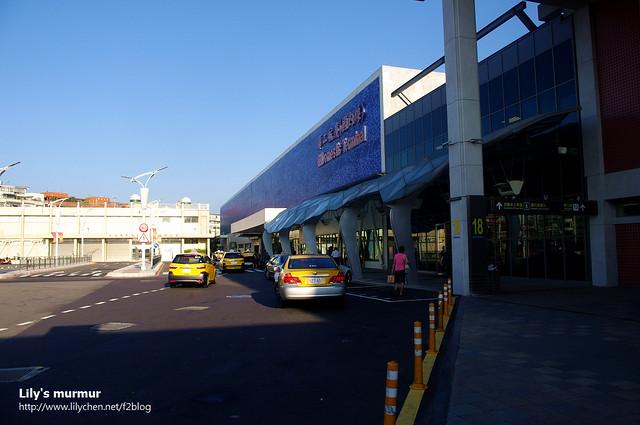 生平第二次來的松山機場,整修後外觀好很多了...