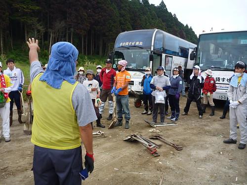 陸前高田市高田町でボランティア, 「手を貸すぜ 東北」レーベン号 Volunteer at Rikuzentakata, Iwate pref. Deeply Affected Area by the Tsunami of Japan Earthquake