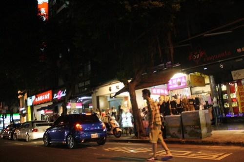 [台湾2.5] お腹が減ったのでメシを食うところを探す