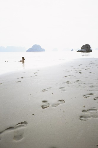 Relaxing Footprints @ Bai Tu Long Bay, Vietnam