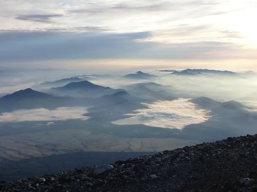 お鉢巡り, 一合目から富士山に登る Climbing Mt.fuji, from the starting point of Yoshidaguchi Climb Trail