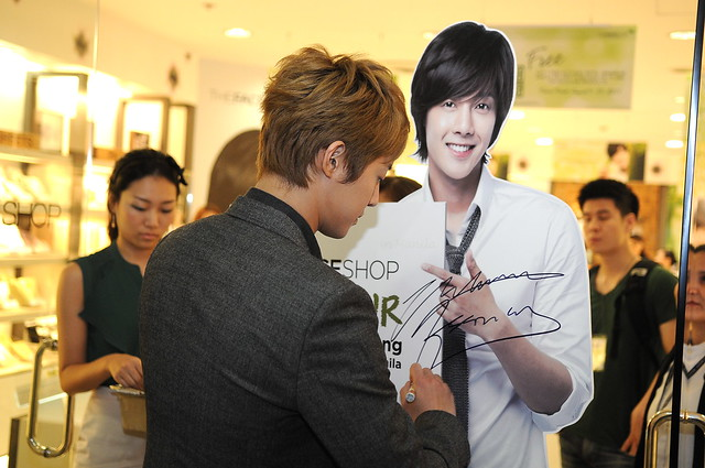 KHJ SIGNS HIS LIFESIZE STANDEE