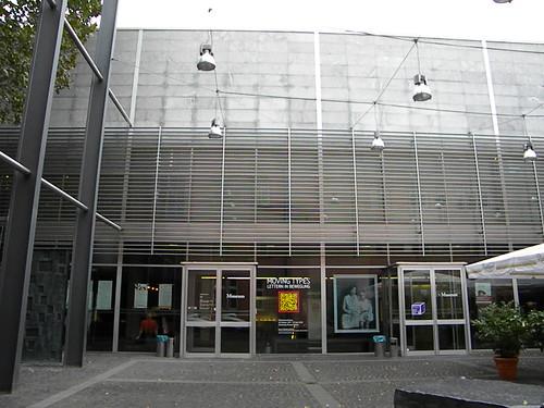 A verdadeira fachada do museu
