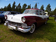 Ford_Fairlane_Cuba_R1