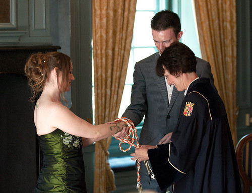 Handfasting by officiant