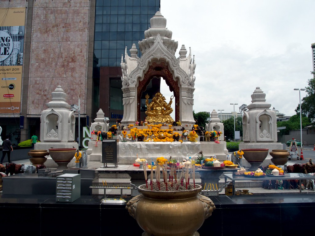 bangkok hindu singles We differentiate the style of bangkok's temples from  a buddha shrine sits under the prang, accessed by a single en  vishnu — one of the three main hindu.