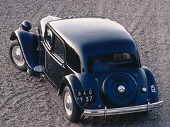 Citroen_Traction11_Saigon_R2