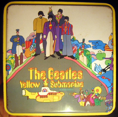 20110806 - yard sale booty - The Beatles - Yellow Submarine - metal box - 1 - front - IMG_3419