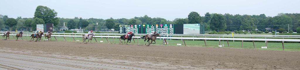 Horse racing at Saratoga