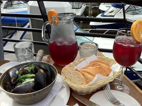 sangria & mussels