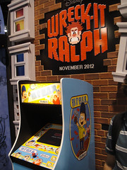 D23 Expo 2011 - Fix-It Felix Jr arcade game (W...