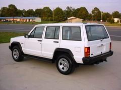 Jeep_Cherokee_R2