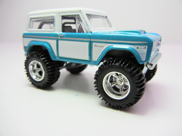 hot wheels garage '67 ford bronco (2)