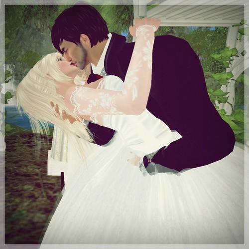 Wedding Day - Kiss