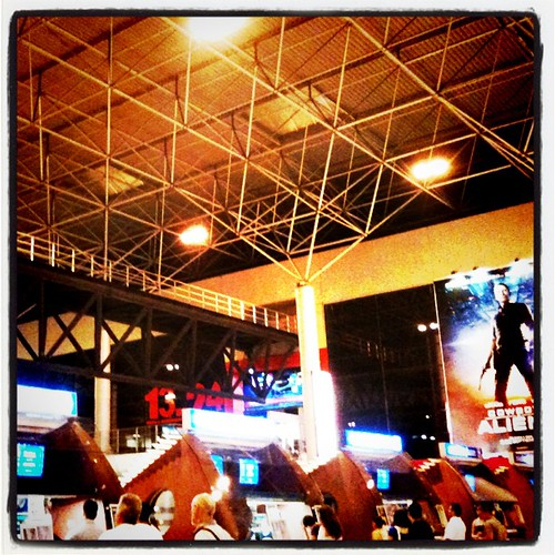 Noche de cine, acabamos de ver Super8... A mi me ha encantado by rutroncal