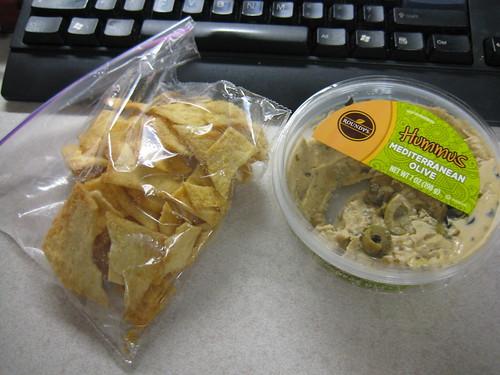 pita chips, hummus