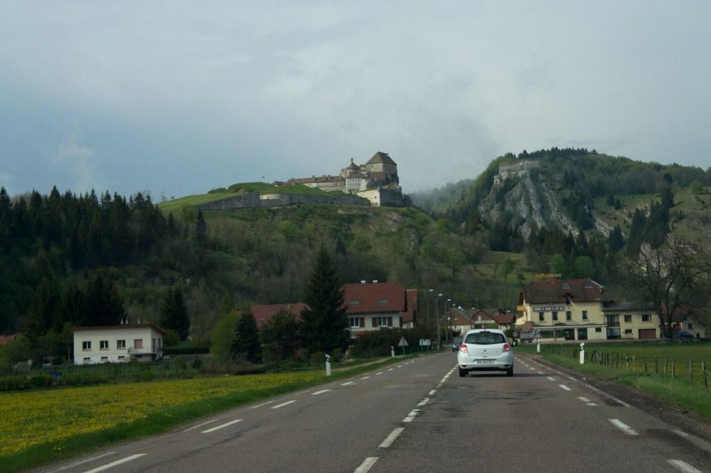 Swiss to France 20110430-DSC01320