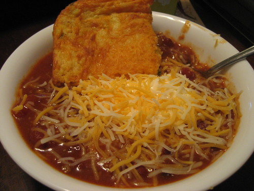 chili with fixins