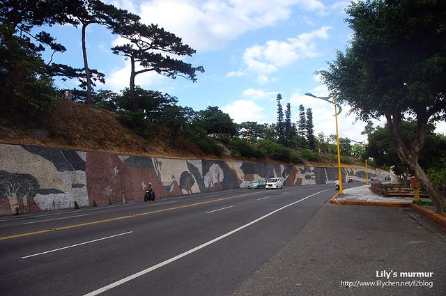 往民宿的路上,左邊坡上就是松園別館,我們隔天才參觀。