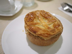 Chicken and mushroom pie, L'etoile Cafe, Owen Road, Little India