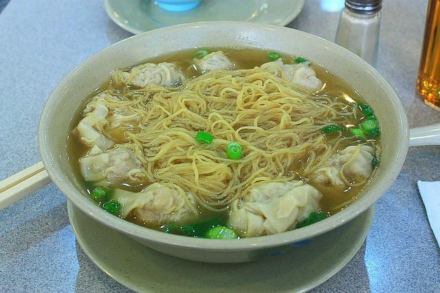 Hons Wun-Tun Noodle House, wonton noodle soup, Vancouver