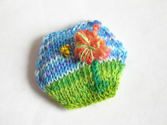 Art yarn hexipuff FO!