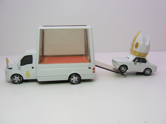disney cars 2 pope and popemobile loose (6)