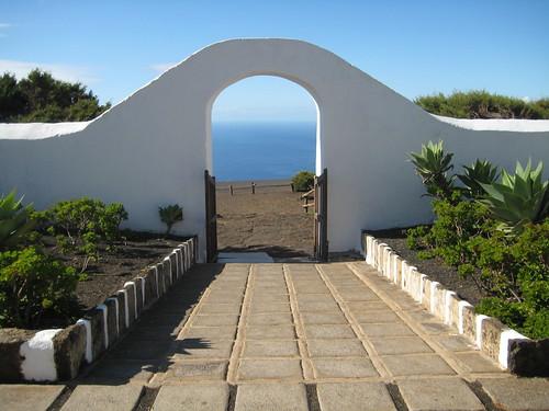 Ermita de la Virgen de los Reyes I