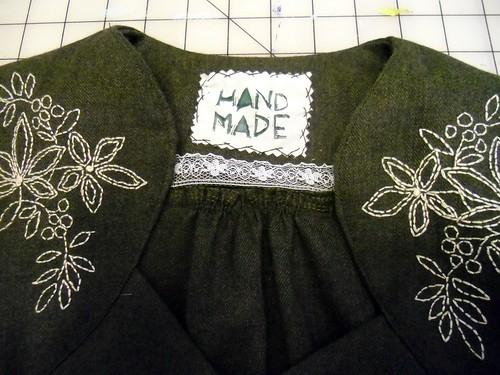 wool ceylon - tag & embroidery