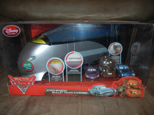 disney store cars 2 stephenson spy train carrying case (1)