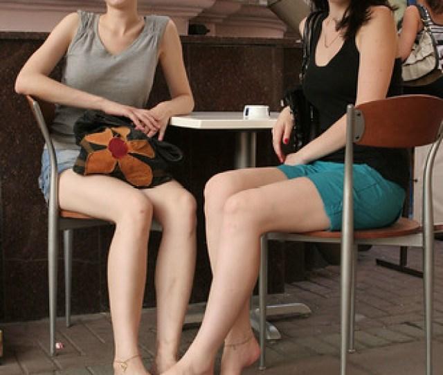 Barefoot Girls 2