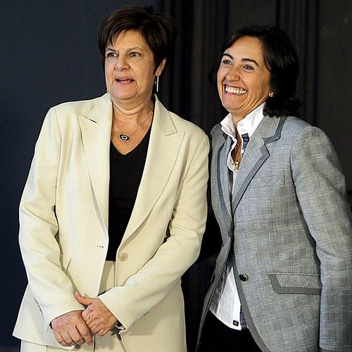 La ministra Rosa Aguilar y la consejera Josefina Cruz premios Pinchazo.