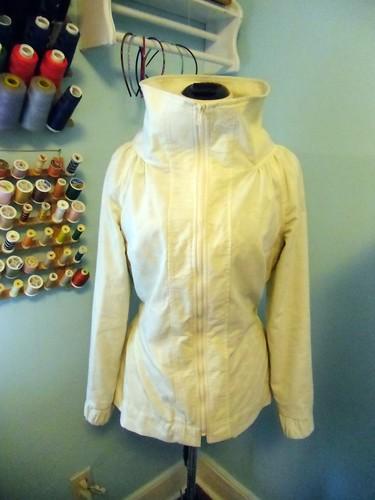 minoru jacket - zipped up