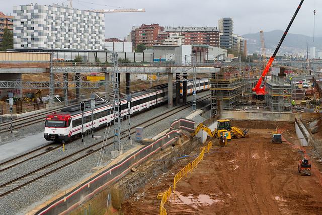 Construcción del nuevo puente que ha de sustituir al del Treball - 03-11-11