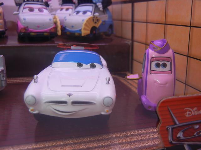 disney store cars 2 travelin' through tokyo diecast set (3)