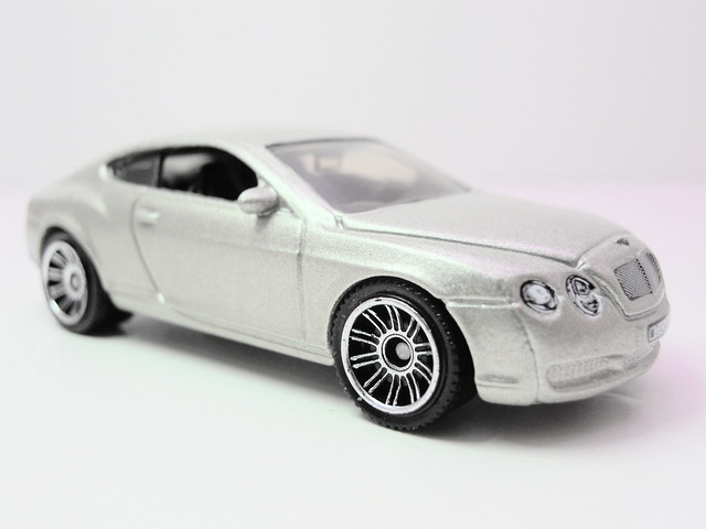 matchbox bentley continental GT champagne (2)