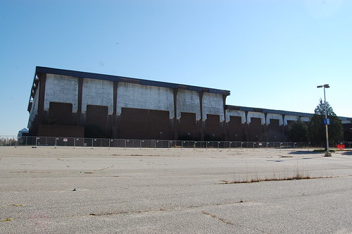 Cloverleaf Mall, Richmond, VA (abandoned since 2008) (6/6)