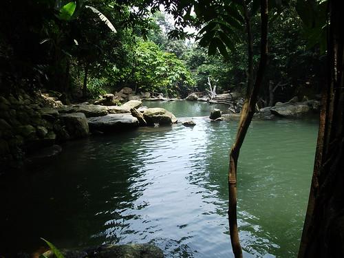 Thiên Sơn – Suối Ngà by Carlos F. Domingo